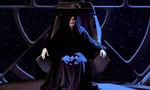 Αυτή η πολυθρόνα του Star Wars δεν μπορεί να λείψει από το σαλόνι σου!