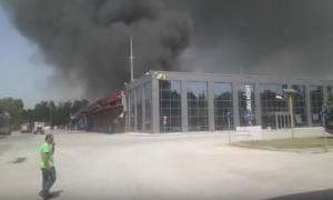 ΤΩΡΑ: Πυρκαγιά σε εργοστάσιο μπαταριών στην Ξάνθη – Εκκενώνονται οικισμοί
