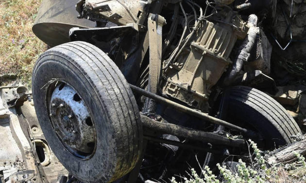 Τραγωδία στην Τήνο - «Μαμά βοήθεια»: Η δραματική έκκληση του νεαρού που επέβαινε στο απορριμματοφόρο