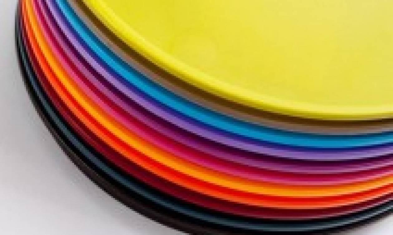 Μετά τα καλαμάκια η  ΕΕ θέλει να απαγορεύσει και τα πλαστικά πιάτα