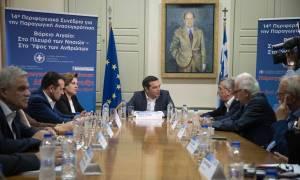 Μυτιλήνη: Υπόμνημα στον Τσίπρα παρέδωσε ο Σπύρος Γαληνός - Τι ανέβασε ο πρωθυπουργός στο Twitter