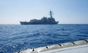 Η Ουάσιγκτον «κουνάει το δάχτυλο» στο Πεκίνο για τη Νότια Σινική Θάλασσα