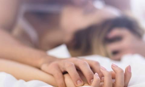 Άγριο σεξ σε ελληνικό reality: Κάμερα «τσάκωσε» δύο παίκτες σε ακατάλληλες σκηνές