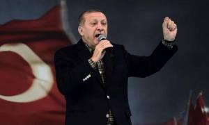Αμετανόητος ο πολεμοχαρής Ερντογάν: Υπόσχεται νέες στρατιωτικές επιχειρήσεις εκτός Τουρκίας