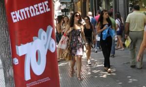 Ενδιάμεσες εκπτώσεις 2018: Δείτε πόσο θα διαρκέσουν - Τι να προσέξουν οι καταναλωτές