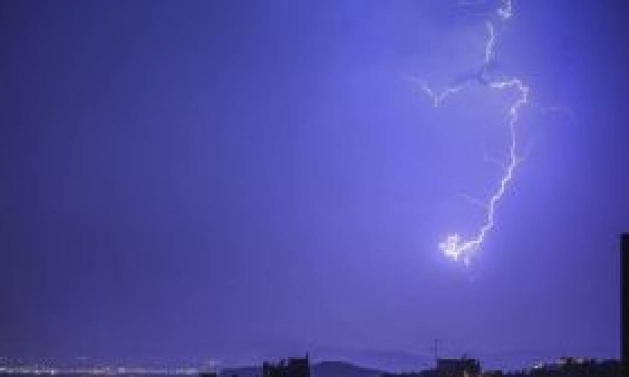 Καιρός: Περισσότερες από 60 κλήσεις δέχτηκε κατά τη νύχτα η Πυροσβεστική στην Αττική