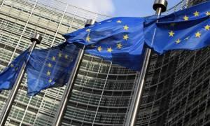 WSJ: Η Ελλάδα σε απόσταση αναπνοής από την απελευθέρωσή της από τα μνημόνια