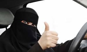 Αντίστροφη μέτρηση: Πιάνουν επιτέλους τιμόνι κοι οι... τελευταίες γυναίκες στη Σαουδική Αραβία