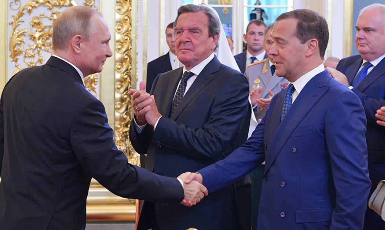 Ο Μεντβέντεφ ξανά πρωθυπουργός της Ρωσίας (Pics+Vid)