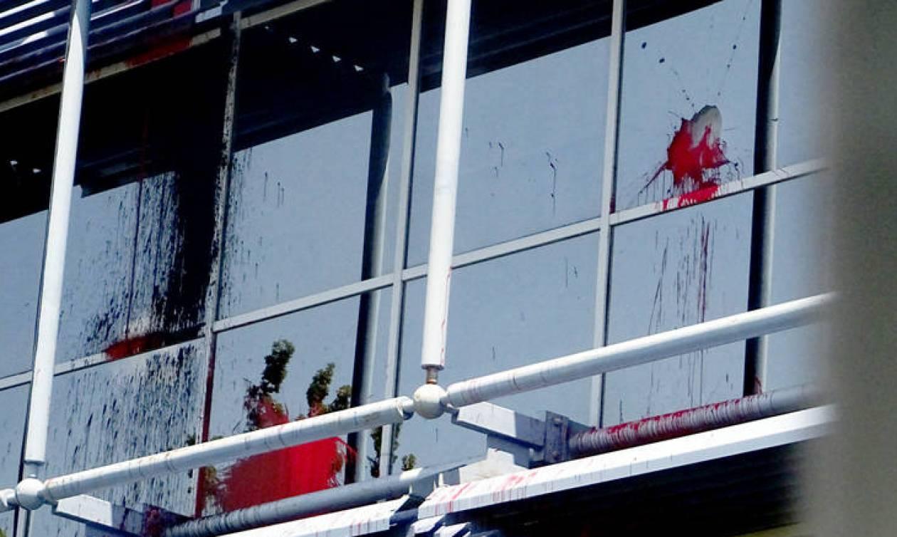 Επίθεση «Ρουβίκωνα» στα γραφεία ΜΚΟ στο κέντρο της Αθήνας
