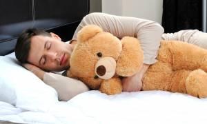 5 τρόποι για να τη διώξεις ΕΠΙΤΕΛΟΥΣ και να κοιμηθείς σαν άνθρωπος