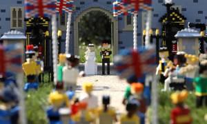 Ο βασιλικός γάμος του Πρίγκιπα Χάρι και της Μέγκαν Μαρκλ τώρα και σε… Lego (pics)