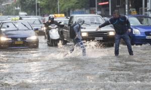 Έκτακτο δελτίο καιρού ΕΜΥ: Έρχεται ισχυρή κακοκαιρία σε Αθήνα και Θεσσαλονίκη - Πότε θα «χτυπήσει»