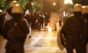 Νύχτα επεισοδίων στην Αθήνα: Άγριες συμπλοκές μεταξύ οπαδών - Μολότοφ, χημικά και τραυματισμοί