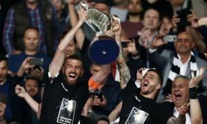 Τελικός Κυπέλλου 2018: Με φανέλες που έγραφαν νταμπλ στην απονομή ο ΠΑΟΚ! (photos)