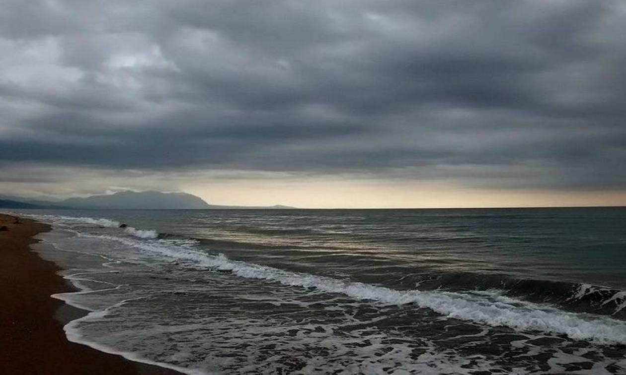 Καιρός: Συννεφιασμένη Κυριακή με βροχές και καταιγίδες – Πού θα βρέξει