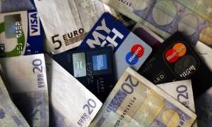 «Πόλεμος» στις πληρωμές με μετρητά για την πάταξη της φοροδιαφυγής