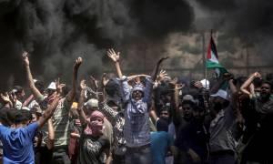 Στο αίμα βάφτηκε πάλι η Γάζα: Σκότωσαν Παλαιστίνιους διαδηλωτές την ώρα που έθαβαν τους νεκρούς