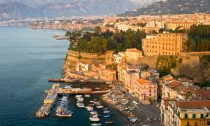 «Ήταν δώδεκα, όλοι τους νέοι και γυμνοί»: Σοκάρει το θύμα του ομαδικού βιασμού σε ιταλικό ξενοδοχείο