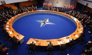 Tο ΝΑΤΟ καταδικάζει τα εγκαίνια της γέφυρας που συνδέει την Κριμαία με τη Ρωσία