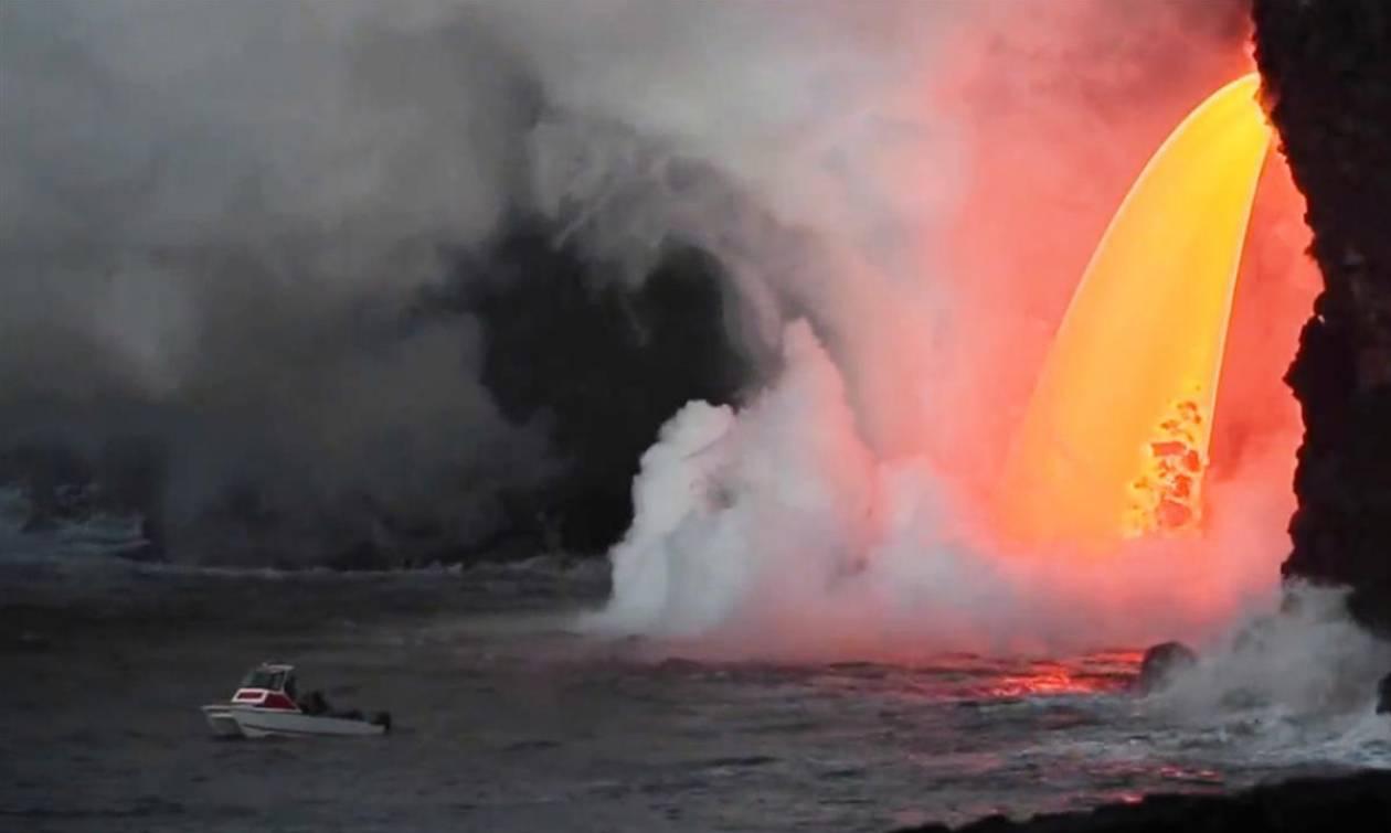 Viral: Εδώ ο κόσμος καίγεται κι αυτοί παίζουν γκολφ! (pics)