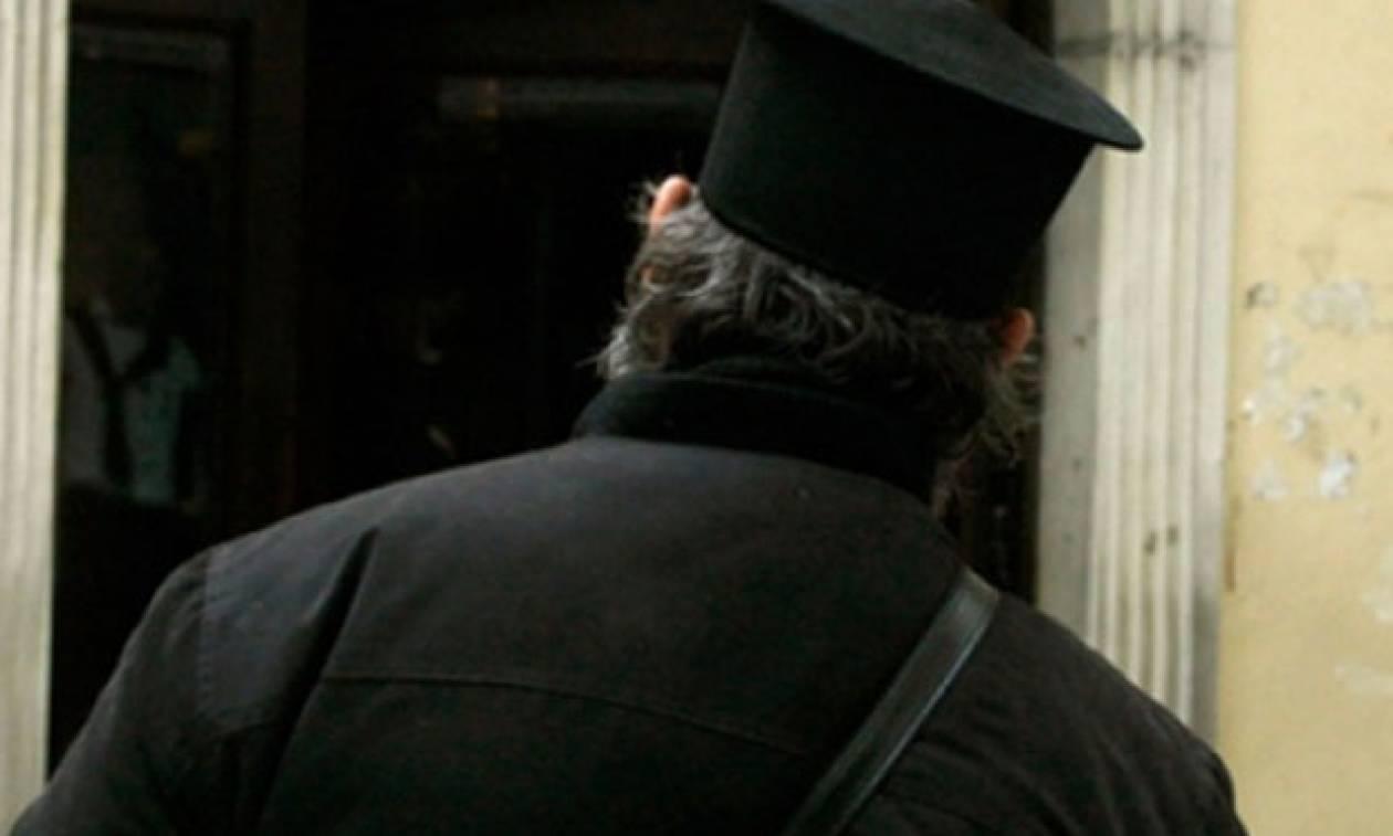 Ισόβια στον ιερέα από τα Φάρσαλα για τα 3,8 εκατομμύρια ευρώ που έκαναν «φτερά»