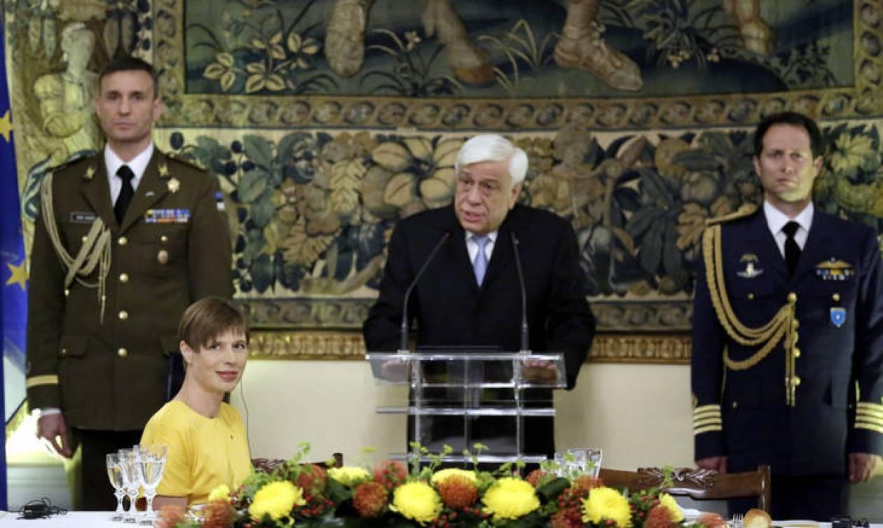Παυλόπουλος: Νομική υποχρέωση το χρέος αλληλεγγύης για τους πρόσφυγες