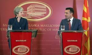 Στήριξη Μέι στις διαπραγματεύσεις Ελλάδας - Σκοπίων