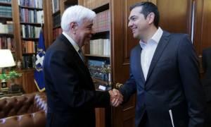 Σκοπιανό: Τσίπρας σε Παυλόπουλο: Επιδιώκουμε μία λύση που θα αντέξει στο χρόνο