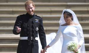 Βασιλικός γάμος: Με εντυπωσιακή τουαλέτα σε δεξίωση μετά τον γάμο η Μέγκαν Μαρκλ!