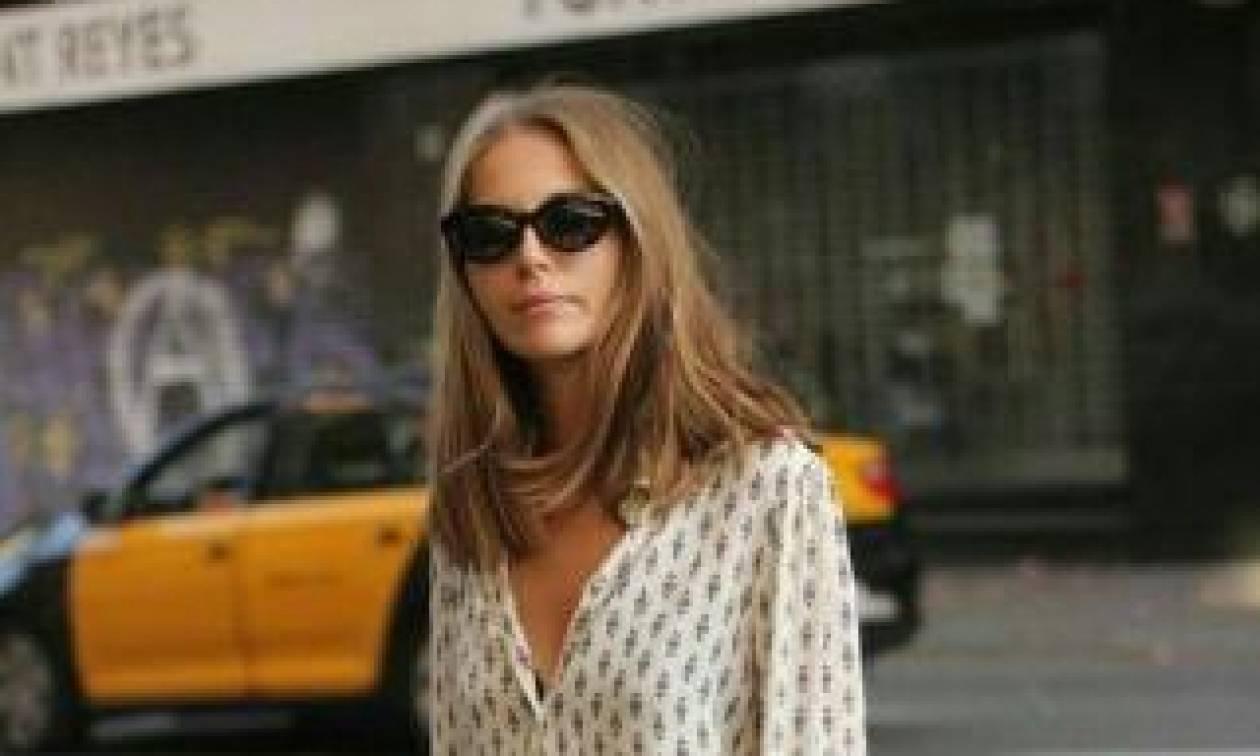 Το πιο cool top που φοράνε τα fashion girls με το σορτσάκι τους