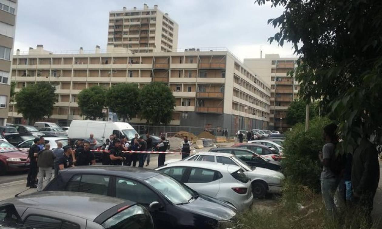 Συναγερμός στη Μασσαλία: Ένοπλοι άνοιξαν πυρ κατά του πλήθους (pics)