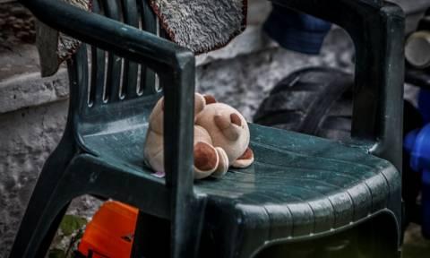 Τρίκαλα: Ο συζυγοκτόνος και το φονικό μπροστά στα παιδιά - Οι νέες ανατριχιαστικές μαρτυρίες (pics)