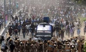 Ινδία: Τους 12 έφτασαν οι νεκροί διαδηλωτές από αστυνομικά πυρά