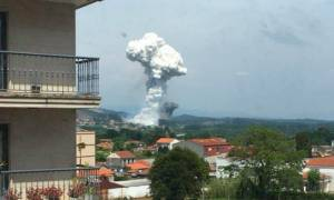 Έκρηξη σε αποθήκη πυροτεχνημάτων: Βομβαρδισμένο τοπίο η Μπαλντράνς – Δείτε τις πρώτες φωτογραφίες