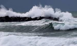 Γιγάντιο κύμα στη Νέα Ζηλανδία σπάει όλα τα ρεκόρ