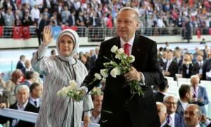 Ο Ερντογάν την... είδε αλλιώς: Θυμήθηκε τις γυναίκες και την… Ευρώπη! (video+pics)