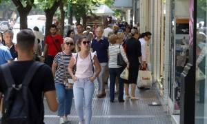 Αγίου Πνεύματος 2018: Σε ποιες περιοχές θα είναι ανοιχτά τα καταστήματα
