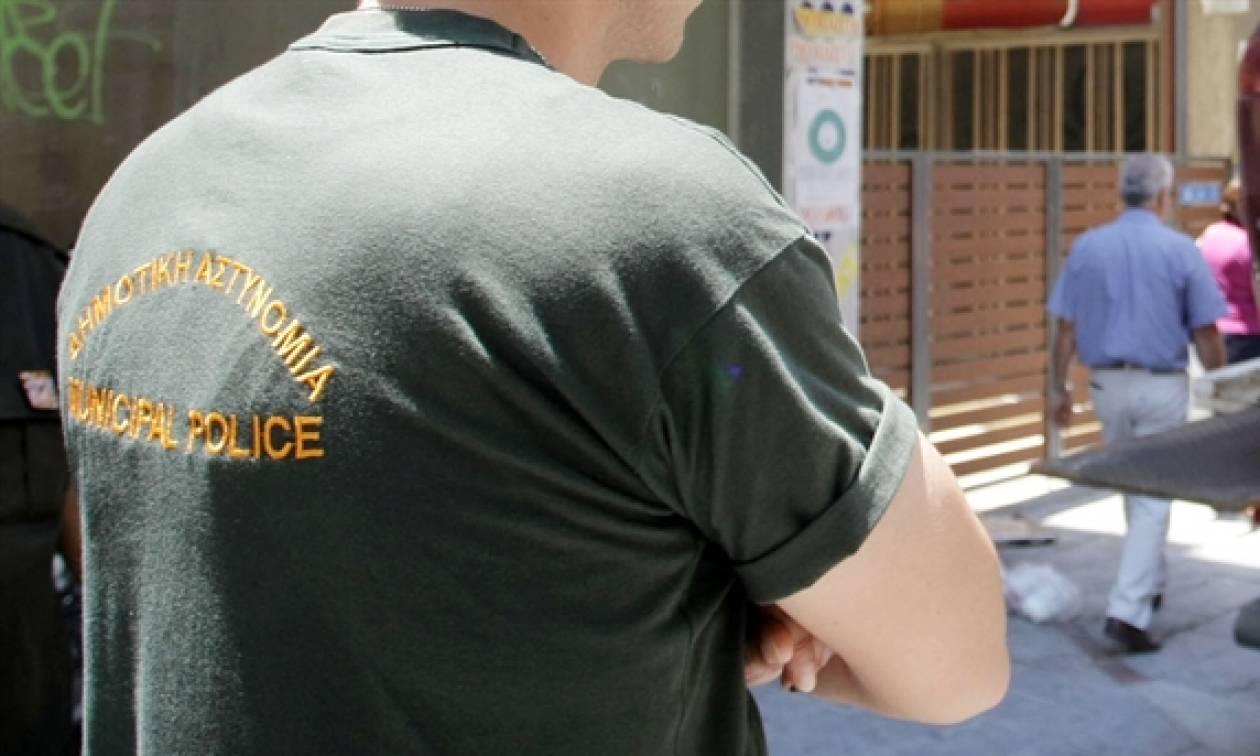 Πανικός στο Ηράκλειο: Βρήκαν φέρετρο στη μέση του δρόμου (pics)