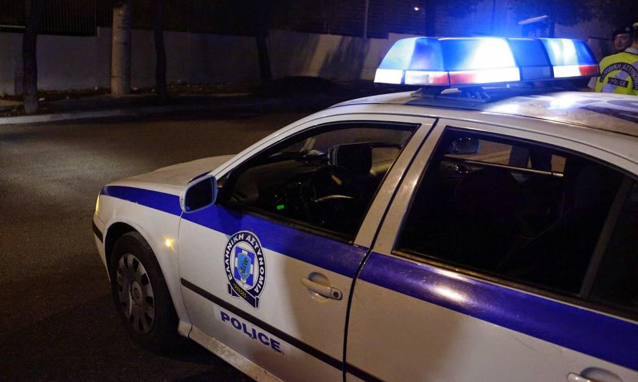 Ασπρόπυργος: Πυρπόλησαν αυτοκίνητα έξω από αστυνομικό τμήμα - Ήταν πειστήρια εγκλήματος