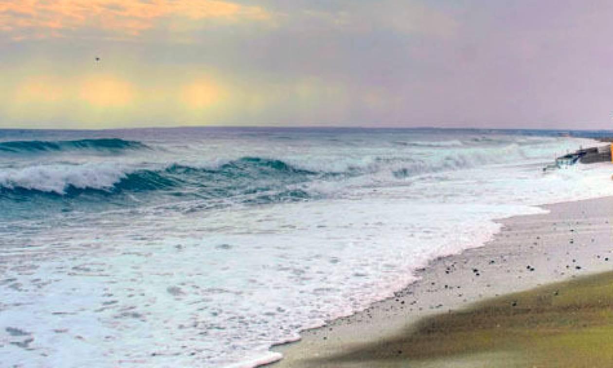 Σοκαριστικό θέαμα: Εντόπισαν παιδάκι 2,5 ετών να επιπλέει αναίσθητο στη θάλασσα