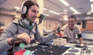 Η Microsoft έβγαλε χειριστήριο για άτομα με κινητικά προβλήματα!