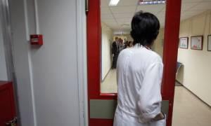 Έλληνες γιατρούς ζητούν νοσοκομεία στη Βρετανία