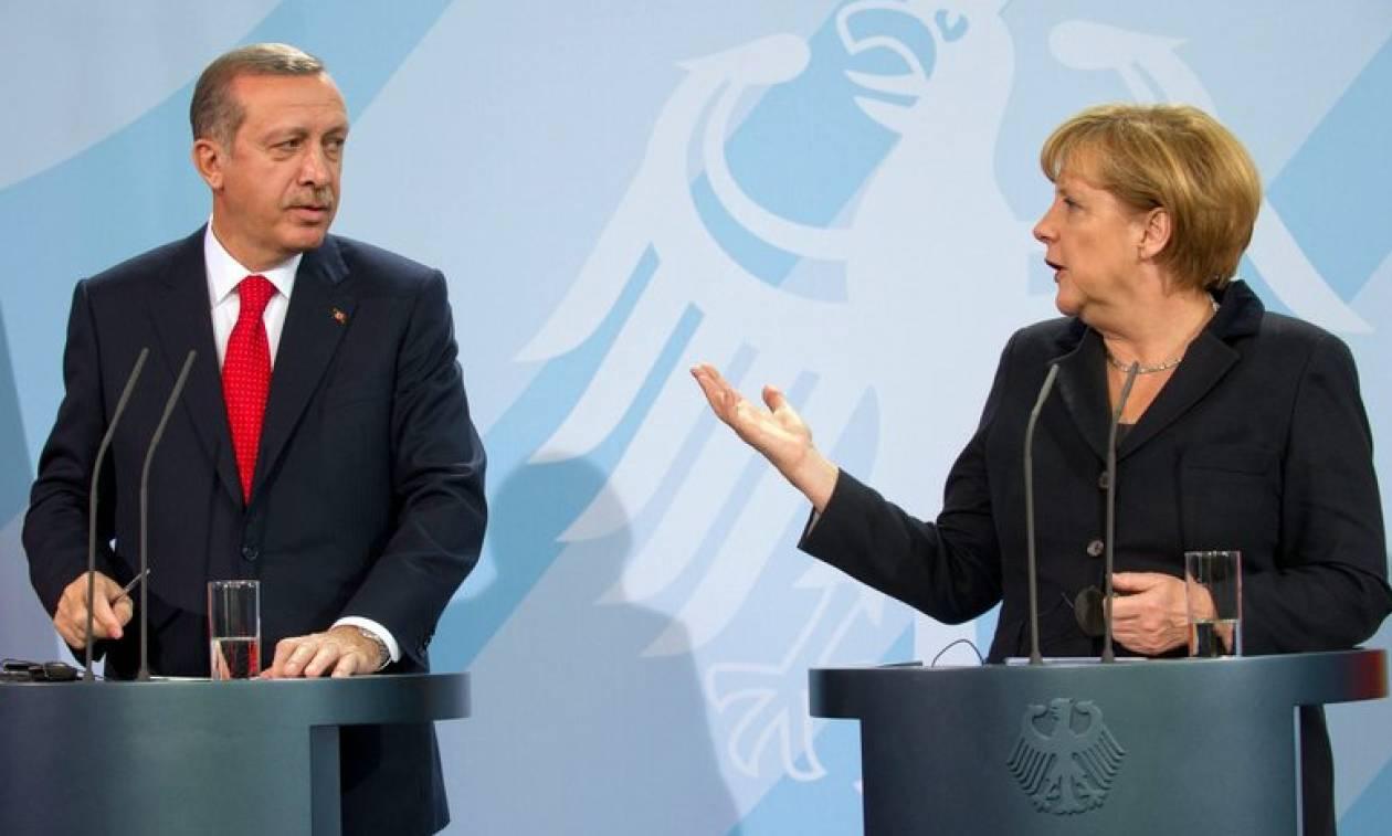 Πρόσκληση Μέρκελ σε Ερντογάν να επισκεφθεί το Βερολίνο