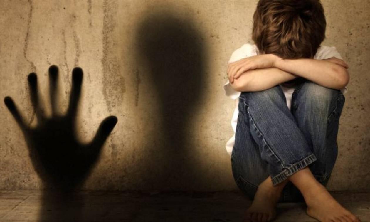 Κέρκυρα: Μήνυση στη μητέρα του 13χρονου για το ερωτικό «τρίο» - Στη φυλακή το ζευγάρι (vid)