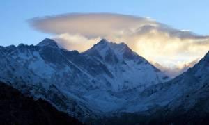 Θιβέτ: Ειδικές ομάδες καθαρίζουν τις βουνοκορφές από σκουπίδια