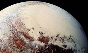 Τι ανακάλυψαν οι επιστήμονες στην επιφάνεια του Πλούτωνα