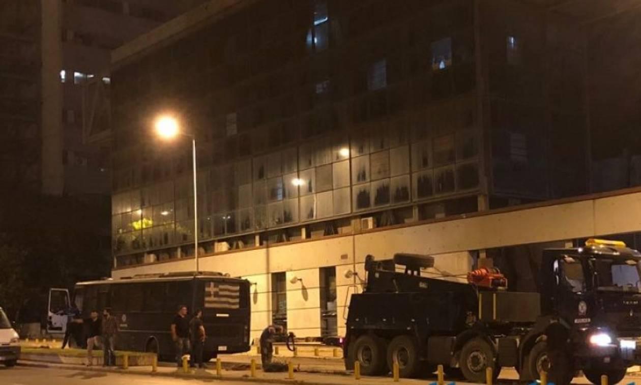Θεσσαλονίκη: Την παρέμβαση του εισαγγελέα για την επίθεση στα ΜΑΤ ζητά η Ένωση Αστυνομικών Υπαλλήλων