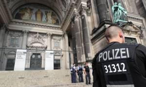 Συναγερμός στη Γερμανία: Πυροβολισμοί στον Καθεδρικό Ναό του Βερολίνου (pics+vids)