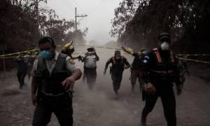 Συγκλονίζουν τα βίντεο από την έκρηξη του ηφαιστείου Φουέγο στη Γουατεμάλα